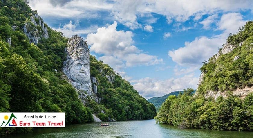 Excursie Hunedoara si Comorile Banatului 5 zile - 790 lei/Persoana