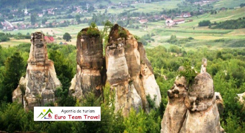 Gradina Zmeilor Obiectiv Turistica Romania