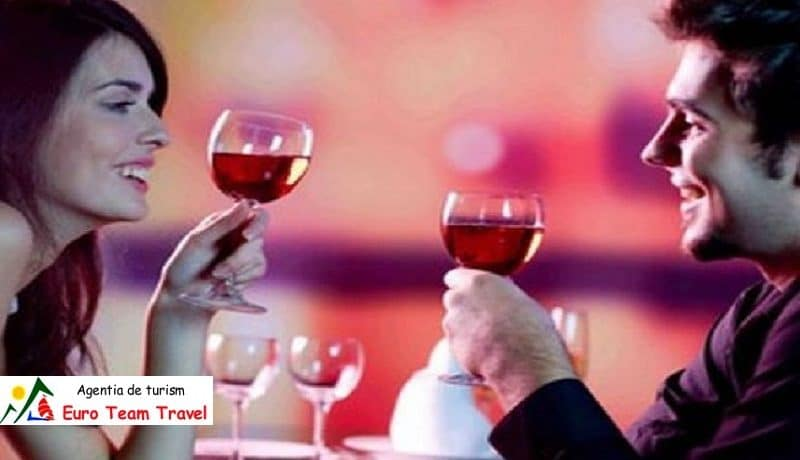 Hotel Bradul Vatra Dornei Ziua Indragostitilor vs. Dragobete